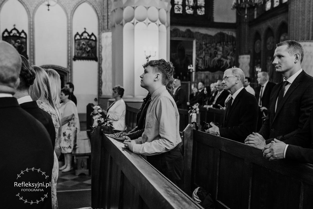 Młody człowiek w Kościele