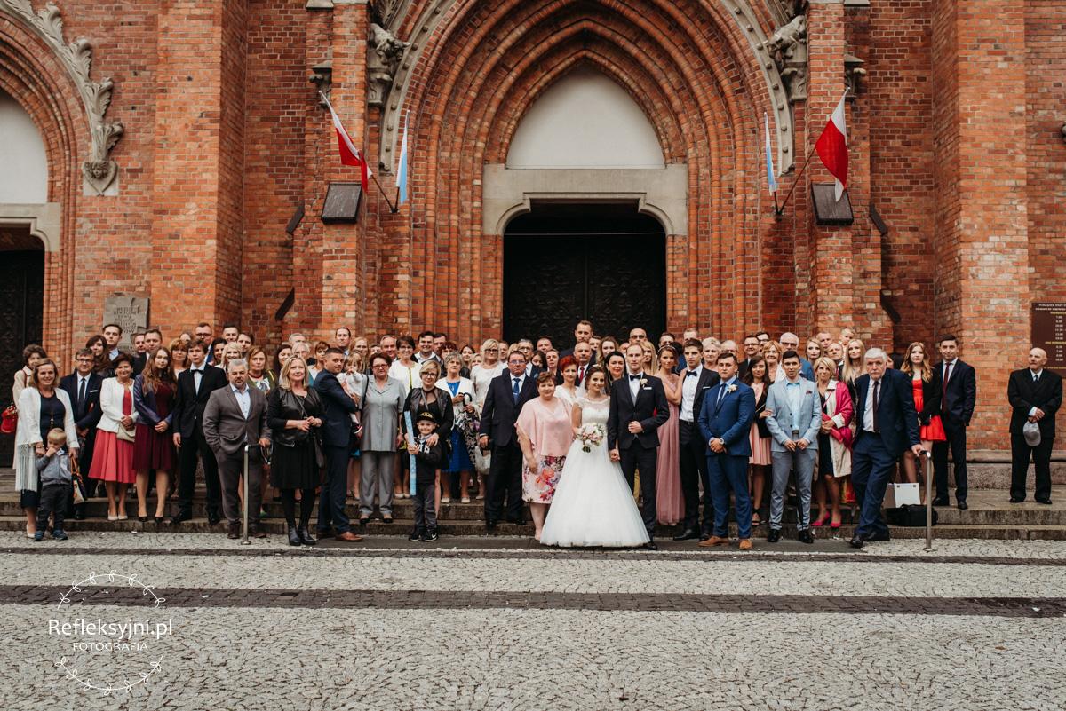 Zdjęcie grupowe przed Kościołem na Woli