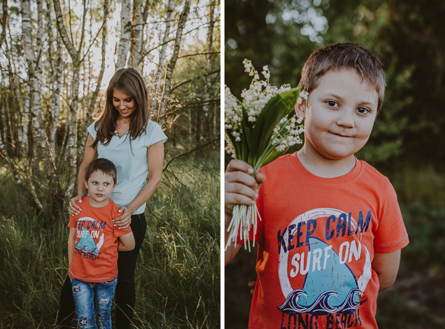 Chłopiec na polanie z bukietem kwiatów