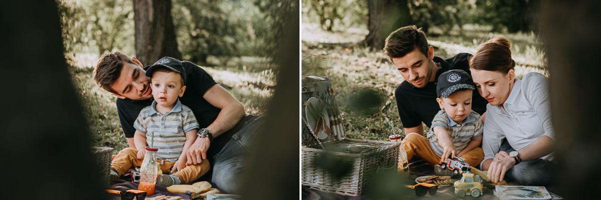 Rodzina podczas pikniku na kocu