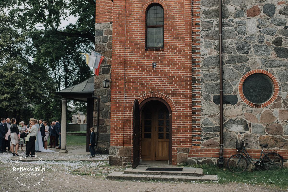 Kościół z czerwonej cegły