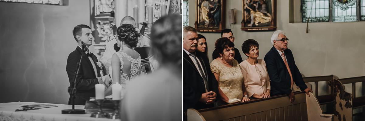 Rodzice podczas przysięgi ślubnej