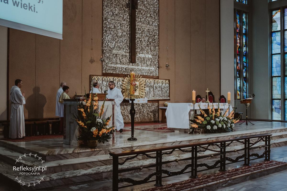 Ołtarz w Kościele w Warszawie
