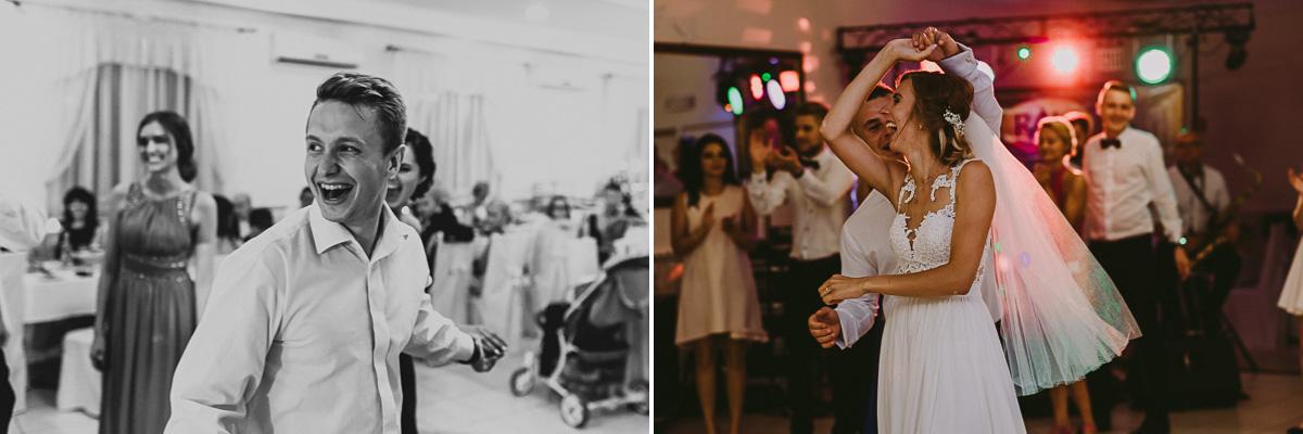 Tańczący goście na weselu