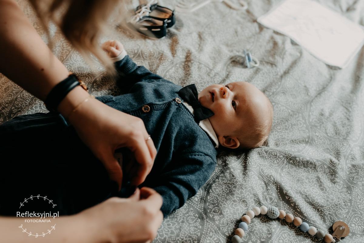 Dziecko przygotowywane na Chrzest