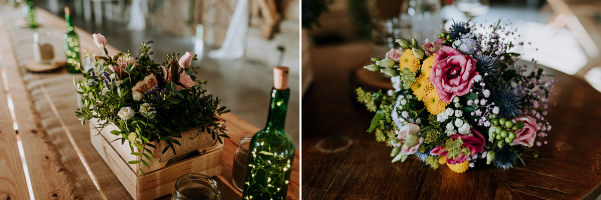 Bukiet ślubny i kwiaty w drewnianej skrzyni