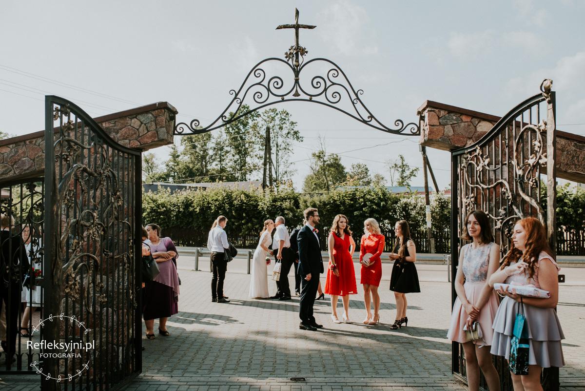 Brama przed Kościołem