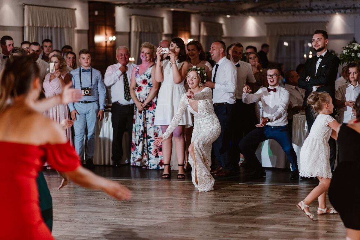 Zabawa weselna taniec