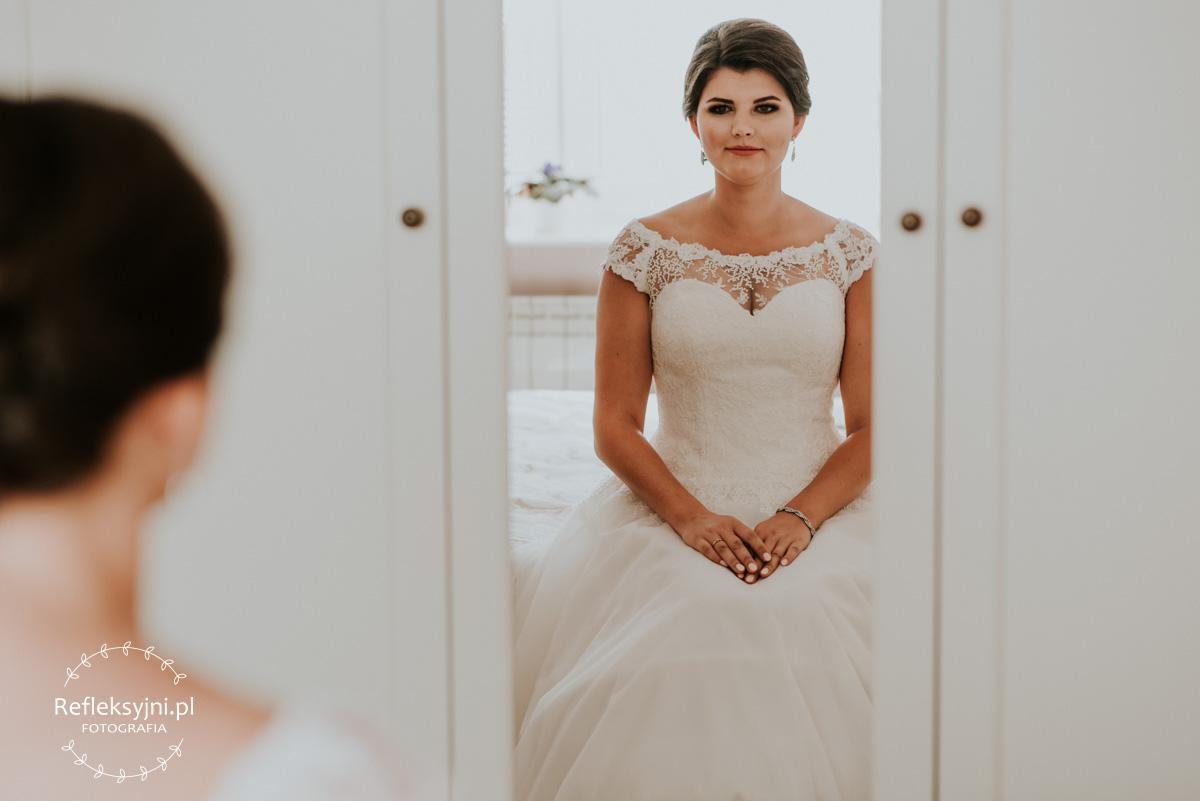 Pani Młoda podczas przygotowań do ślubu