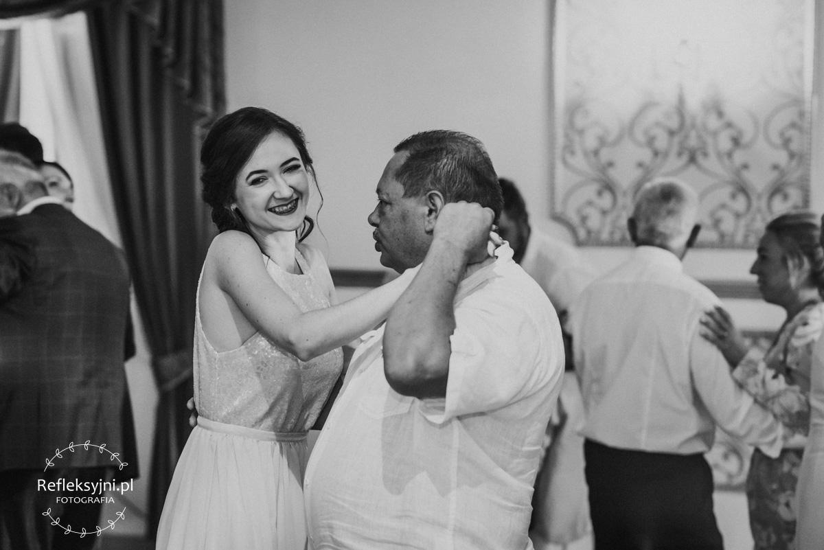 Goście weselni podczas wesela