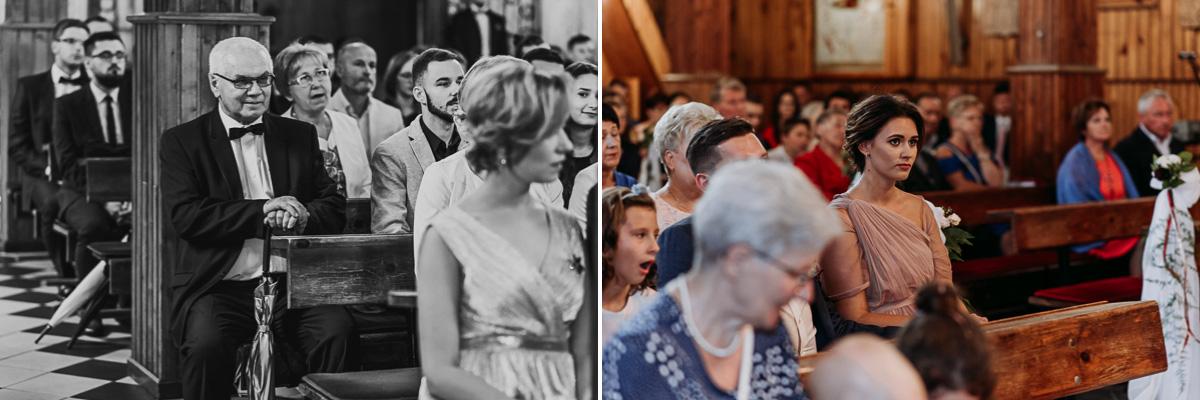 Goście weselni podczas Mszy