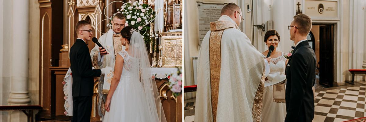 Para Młoda podczas przysięgi ślubnej
